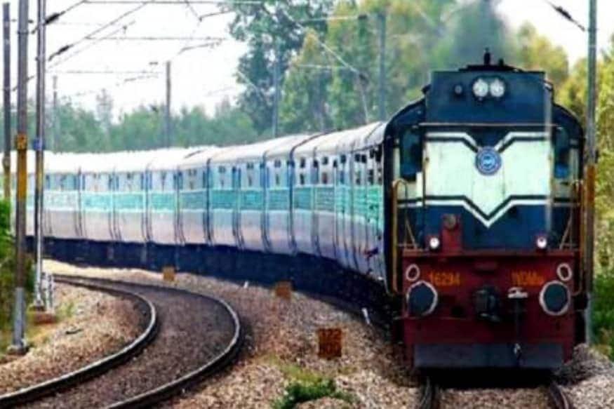 આગામી 9-10 મહિનામાં મુંબઈ-દિલ્હી રૂટમની તમામ ટ્રેનોની સ્પીડ 130 કિલોમીટર પ્રતિ કલાક સુધી લંબાવવામાં આવશે. સંપૂર્ણ ટ્રેક એક જ સ્પીડે હોવાના કારણે યાત્રીઓને ખૂબ સરળતા રહેશે.