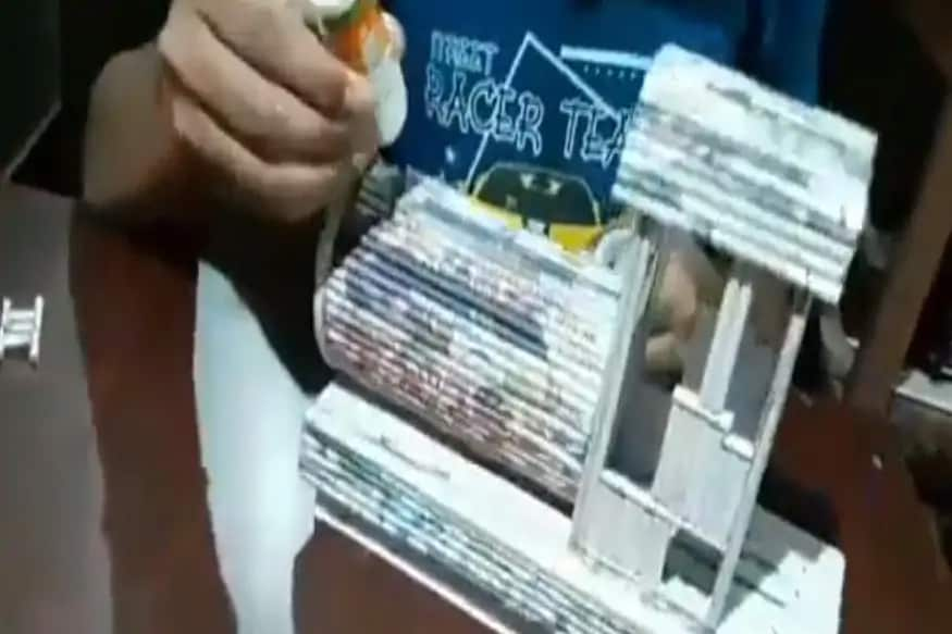રેલ મંત્રાલયે અદ્વૈતના આ મૉડલની તસવીરને શૅર કરી છે. તેની સાથોસાથ એક વીડિયો પણ શૅર કર્યો છે જેમાં દર્શાવવામાં આવ્યું છે કે તેણે કેવી રીતે મૉડલ તૈયાર કર્યું.