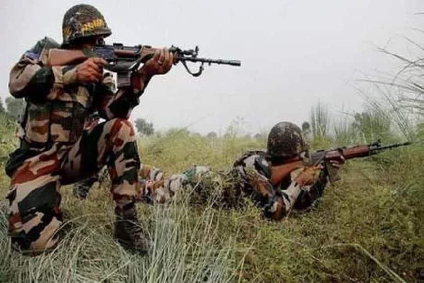 શ્રીનગરઃ જમ્મુ-કાશ્મીર (Jammu-Kashmir)ના અનંતનાગ (Anantnag) સેક્ટરમાં ફરી એકવાર ભારતીય સુરક્ષાદળો (Indian security force) અને આતંકવાદીઓ વચ્ચે એન્કાઉન્ટર થયું છે. તાજેતરની મળતી જાણકારી મુજબ ત્રણ આતંકવાદીઓને ઠાર મારવામાં આવ્યા છે. હાલ ફાયરિંગ રોકી દેવામાં આવ્યું છે પરંતુ સુરક્ષાદળોએ સમગ્ર વિસ્તારને ઘેરીને રાખ્યો છે. સૂત્રો મુજબ હજુ કેટલાક આતંકવાદી છુપાયા હોઈ શકે છે, જેમને પકડવા માટે સર્ચ ઓપરેશન હાથ ધરવામાં આવી રહ્યું છે. નોંધનીય છે કે છેલ્લા 22 દિવસમાં 38 આતંકવાદીઓને મારવામાં આવ્યા છે. (પ્રતીકાત્મક તસવીર)
