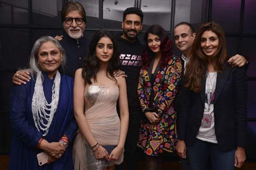 બૉલિવૂડના મહાનાયક અમિતાભ બચ્ચન (Amitabh Bachchan Corona Positive)ની સાથે તેમના દીકરા અભિષેક બચ્ચન (Abhishek Bachchan) પણ કોરોના પોઝિટિવ હોવાનું સામે આવ્યું છે. બંનેને સામાન્ય સંક્રમણની અસર છે. એન્ટીજન ટેસ્ટથી બંને સંક્રમિત હોવાનું સામે આવ્યા બાદ તેમને નાણાવટી હૉસ્પિટલ (Nanavati Hospital)માં દાખલ કરવામાં આવ્યા છે.