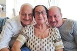 અનુપમ ખેરની માતા, ભાઈ, ભાભી સહિત 4 લોકો કોરોના પોઝિટિવ, જાતે આપી જાણકારી