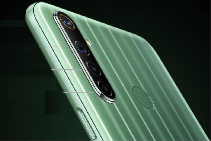 આ સિવાય આ સ્માર્ટફોનમાં સારા પરફોર્મન્સ માટે ઓક્ટા કોર Media Tek Helio જી 80 ચિપસેટની સાથે 4જીબી LPDDR4X રેમનો સપોર્ટ પણ મળે છે. આ સ્માર્ટફોન પસ્તાઇ ગ્રીન અને સફેર રંગમાં મળે છે.