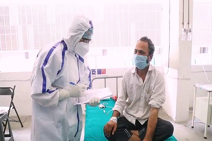 ઉપરાંત, હોમિયોપેથિક સારવાર માટે તાપી જિલ્લાના ડો.આનંદ પરમાર, નવસારીના ડો.ધવલ શાહ અને સુરતના ડો.જય રૈયાણી સ્મીમેર હોસ્પિટલમાં ફરજ બજાવી રહ્યા છે. હોમિયોપેથિક દવામાં આર્સેનિક આલ્બ-30 પોટેન્સીની ગોળી આપવામાં આવે છે. આયુર્વેદિક હોમિયોપેથિક ઉપચારથી રોગપ્રતિકારક શક્તિમાં ફરક અનુભવતાં દર્દીઓએ આ પહેલને આવકારી છે. સામાન્ય લક્ષણ ધરાવતા દર્દીઓ માટે ઉકાળો સંજીવની સમાન બન્યો છે. કોરોના સંક્રમણને રોકવા સુરતવાસીઓ પ્રાચીન આયુર્વેદની સૌથી જૂની ચિકિત્સા પદ્ધતિને અનુસરી રહ્યા છે.