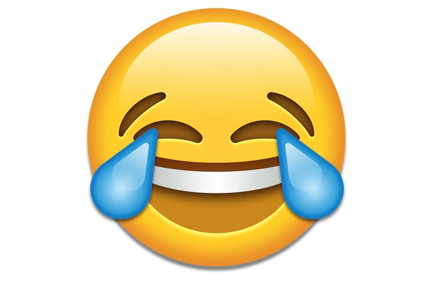 યુનિકોડ કંસોર્ટિયમ Emoji માટે આઉટલાઇન તૈયાર કરે છે. અને નક્કી કરે છે કે આ માટે Emoji બનવી જોઇએ કે નહીં. પણ એપ્પલ અને ગૂગલ જેવી કંપનીઓ પોતાના Emoji બનાવે છે. વર્લ્ડ ઇમોજી ડેની શરૂઆત જેરેમી બર્ગે કરી હતી. તે પોતે યુનિકોડ કમિટીના મેમ્બર છે. તેમના મુજબ દર વર્ષે મોટી સંખ્યામાં નવા ઇમોજી બનાવવા માટે આવેદન આવે છે. અને લોકો તેને પત્ર લખતા રહે છે.