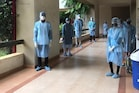 ઉદાહરણ રૂપ પરીક્ષા! નડિયાદની દેસાઈ યુનિવર્સિટીમાં PPE કીટ પહેરી વિધાર્થીઓએ આપી પરીક્ષા