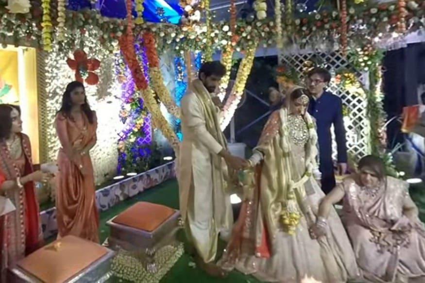 લગ્નનાં સાત ફેરા ફરતાં રાણા અને મિહિકા (PHOTO: INSTAGRAM)