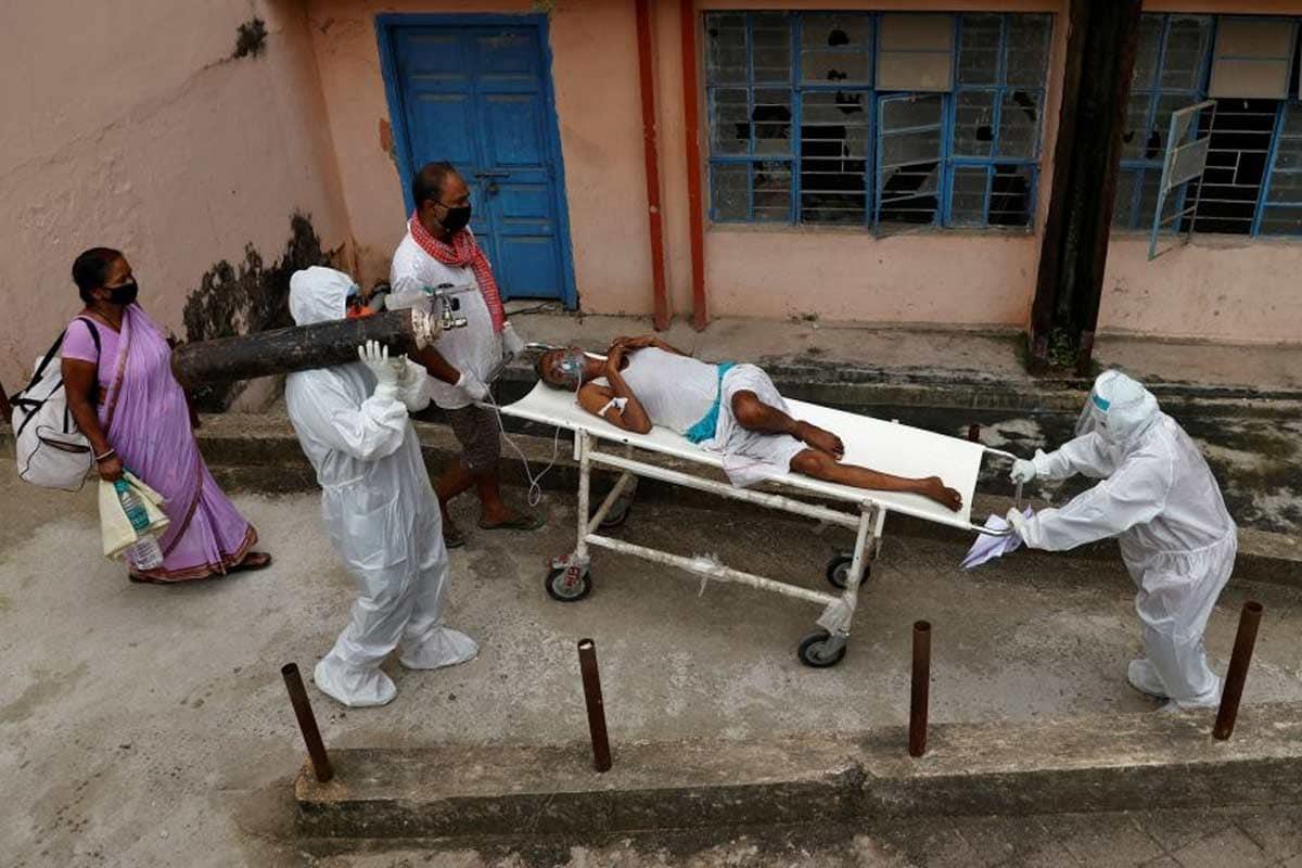 ગુજરાતમાં છેલ્લા 24 કલાકમાં અમદાવાદમાં 3, સુરતમાં 6, રાજકોટમાં 2, ગાંધીનગરમાં અને વડોદરામાં 1-1 મળીને કુલ 13 દર્દીનાં નિધન થયા છે. રાજ્યમાં 3136 દર્દીઓનાં અત્યારસુધીમાં નિધન થયા છે જ્યારે સાજા થયેલા દર્દીઓની સંખ્યા 87479 પર પહોંચી ગઈ છે. (પ્રતીકાત્મક તસવીર)