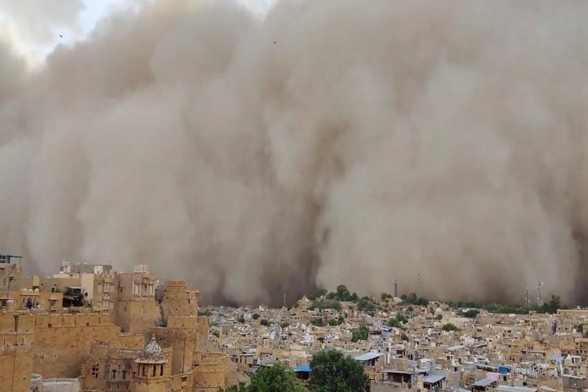 જો કે લોકોને જ્યાં આ ધૂળભરેલી આંધી પછી વરસાદની આશ હતી તે ખગારી નીવળી. અને વરસાદ ના આવ્યો આ વળી ધૂળ અને ગરમીના કારણે લોકોની મુશ્કેલી વધી હતી.