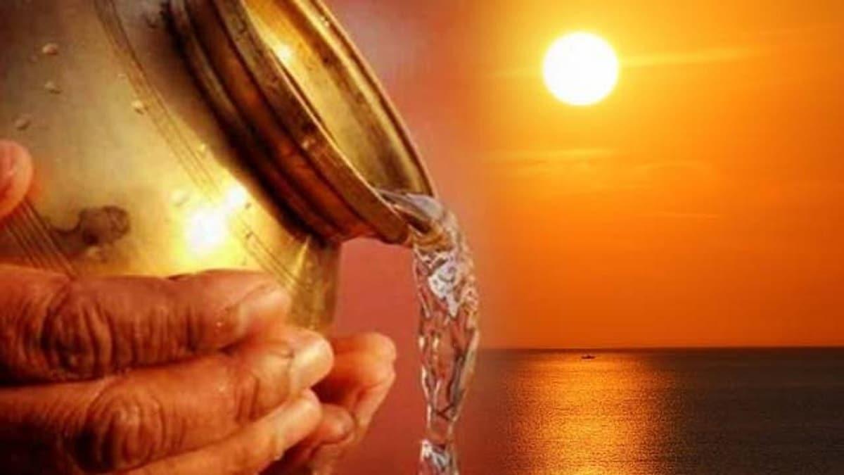 પવિત્ર શ્રાવણ માસમાં દર રવિવારે સૂર્યનું પૂજનનું મહત્ત્વ છે. સૂર્યનારાયણની ભક્તિ અને પૂજા કરવાથી માનવીને આરોગ્ય અને આત્મવિશ્વાસ પ્રાપ્ત થાય છે. શ્રાવણના દરેક મંગળવારે મંગળાગૌરી પૂજનનો મહિમા છે. જેમાં ખાસ કરીને પાર્વતીજીની પૂજા કરવામાં આવે છે. જે પૂજાનો હેતુ સમાજમાં અને પરિવારમાં નારીને સન્માનની નજરથી જોવાનું શીખવે છે.