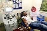આણંદ : અનોખો Bloodman, કોરોનાકાળમાં 200 દર્દીઓને પહોંચાડ્યું રકત,  રેકોર્ડ જાણી ગર્વ થશે