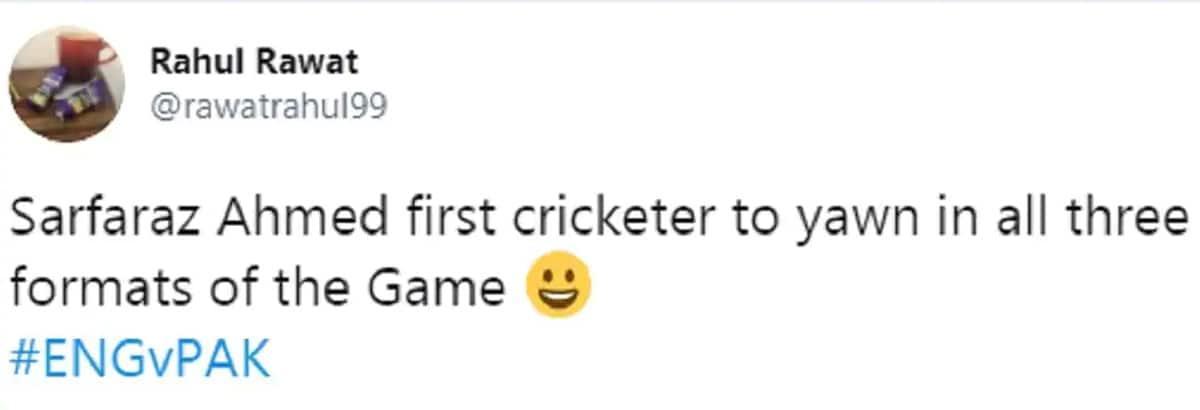 ઈંગ્લેન્ડની વિરુદ્ધ ટેસ્ટ સીરીઝમાં પણ તેની આવી તસવીર વાયરલ થઈ હતી. પાકિસ્તાન 0-1થી સીરીઝ હારી ગયું હતું. આ પહેલા 2019 વનડે વર્લ્ડ કપમાં ભારત વિરુદ્ધની મેચમાં પણ વિકેટકીપિંગ કરતી વખતે તેની બગાસું ખાતી તસવીર વાયરલ થઈ હતી.