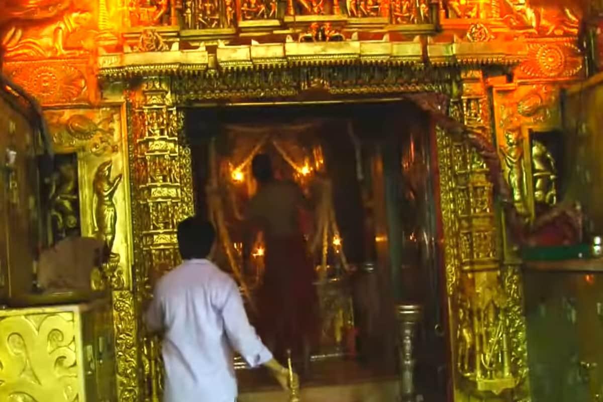અંબાજી મંદિર દ્વારા રજૂ કરવામાં આવેલી અખબારી યાદી પ્રમાણે મંદિરમાં દર્શન કરવાનો સમય સવારે 7.30થી 11.45 વાગ્યા સુધી, ત્યાર બાદ બપોરે 12.15થી 16.15 વાગ્યા સુધી અને સાંજે 19.00થી 23.00 વાગ્યા સુધી રાખવામાં આવ્યો છે. ખાસ નોંધ પણ કરવામાં આવી છે કે યાત્રાળુઓની ધાર્મિક લાગણીને ધ્યાનમાં રાખીને સવારની આરતી 7થી 7.30 અને સાંજની આરતી 6.30થી 7 વાગ્યે દેવસ્થાન ટ્રસ્ટની વેબસાઈટ www.ambajitemple.in, facebook, twitter, youtube ઉપર live કરવામાં આવશે.