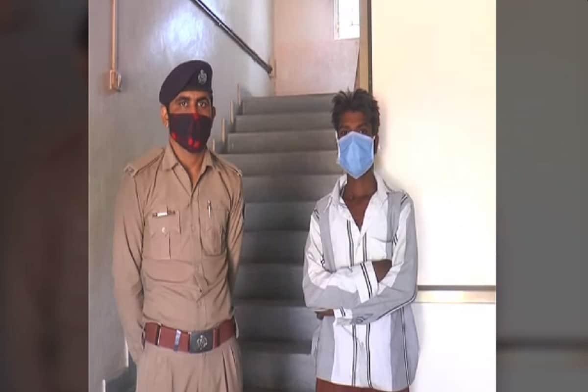 આનંદ જયસ્વાલ, બનાસકાંઠાઃ બનાસકાંઠા જિલ્લાના (Banaskantha) પાલનપુરનાં (Palanpur) કરજોડા ગામે દુષ્કર્મની (rape case) ચોંકાવનારી ઘટના સામે આવી છે.જેમાં સાવકા પિતાએ (Stepfather) જ પોતાની 13 વર્ષીય માસુમ બાળા પર સતત એક માસ સુધી દુષ્કર્મ ગુજારવાનો મામલો અભયમને ધ્યાને આવતા તાત્કાલિક તાલુકા પોલીસે હેવાન બનેલા સાવકા પિતાની જેલના સળિયા પાછળ ધકેલી વધુ તપાસ હાથ ધરી છે.