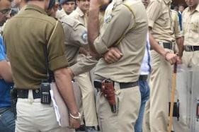મહિલાને મળવા પોલીસ જવાન ઘરે પહોંચ્યો, પતિ જોઈ જતા બારીમાંથી લગાવી છલાંગ, હાલત ગંભીર