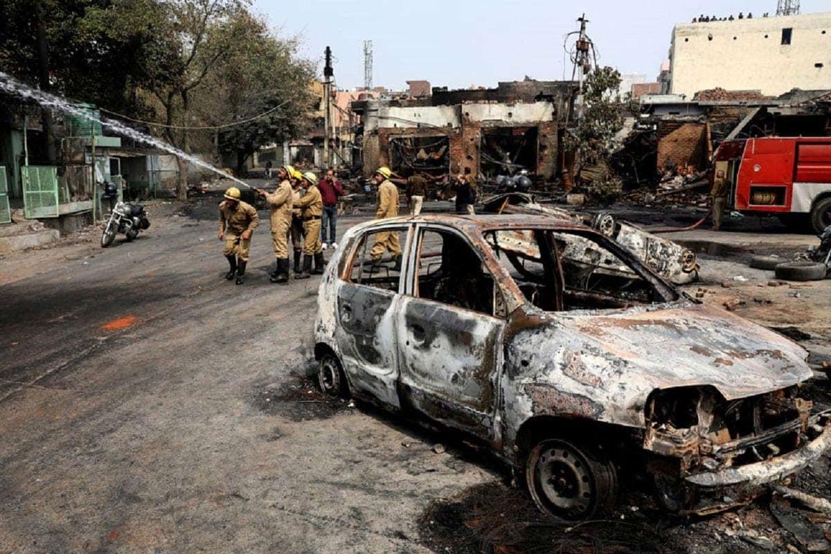 આ વર્ષે ફેબ્રઆરીમાં દેશની રાજધાની દિલ્હીમાં હિંસા ભડકી હતી. તેમાં લગભગ 53 લોકોનાં મોત થયા હતા અને 200 લોકો ઘાયલ થયા હતા. આ હિંસક પ્રદર્શનો CAAના સમર્થક અને વિરોધીઓ વચ્ચે થયા હતા. (ફાઇલ તસવીર)