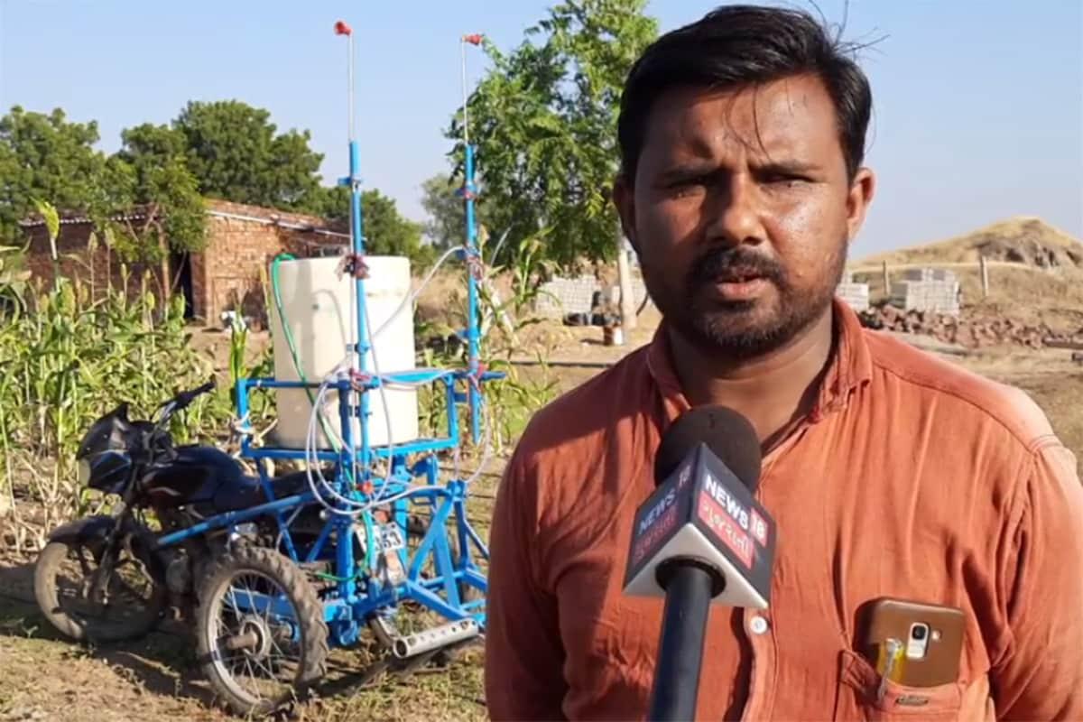 ભાવનગરનાં સીદસર ગામનાં ખેડૂતે કોઠાસૂઝથી 26 હજારમાં જુગાડુ ઇલેક્ટ્રિક હળ બનાવ્યું છે. ટ્રેક્ટરના વીઘે રૂ. 300 સામે આનાથી ફક્ત રૂ.35નો ખર્ચ આવે છે. ખેડૂતે કારનું ડિફ્રેશન-ગિયર બોક્સ ફિટ કરી આ ઉપકરણ બનાવ્યું છે. બળદનો ખર્ચ ન પોષાય તેવા ખેડૂતો માટે આ જુગાડ બાઈકની પાછળ ટ્રોલી જોડી માલ-સામાનની હેરાફેરી કરી શકાય છે.