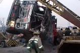 UP: કૌશમ્બીમાં રસ્તા કિનારે ઊભેલી કાર પર ટ્રક પલટી, 8 જાનૈયાનાં કરૂણ મોત