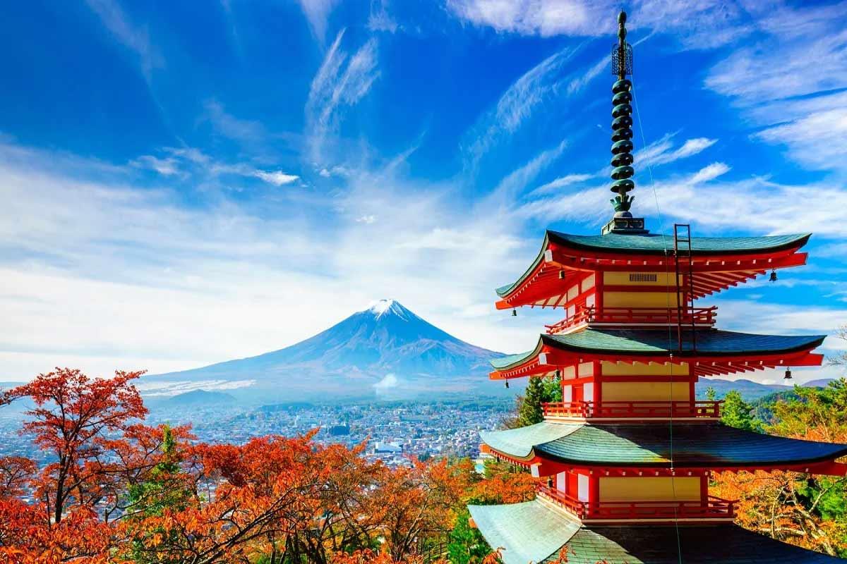 જાપાનમાં ઇન્કમ ટેક્સના દર 55.95 ટકા છે.