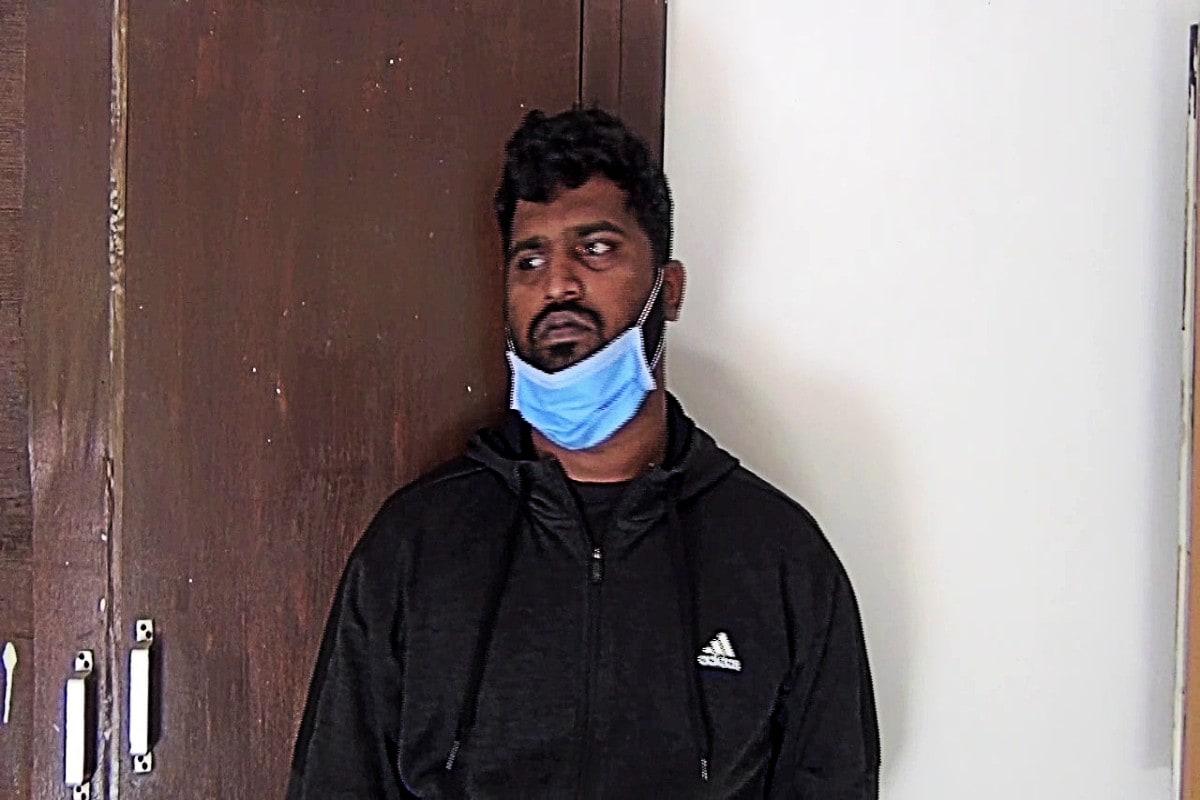 કિંજલ કારસરીયા, જામનગર જામનગરના મેડિકલ કોલેજમાથી (Jamnagar) લેપટોપની ચોરી કરનાર (Laptop Thief) અને આંતરરાજયમાં લેપટોપની ચોરીઓને અંજામ આપનારને જામનગર પોલીસે તામિલનાડુંથી ઝડ્પી પાડી 500 જેટલી લેપટોપ ચોરીનો ભેદ ઉકેલ્યો છે. જામનગર પોલીસે (Jamnagar Police) એક એવા શાતીર ચોરને ઝડ્પ્યો છે. કે જે માત્ર મેડિકલ કોલેજના હોસ્ટેલમાં લેપટોપની ચોરી કરતો હતો.