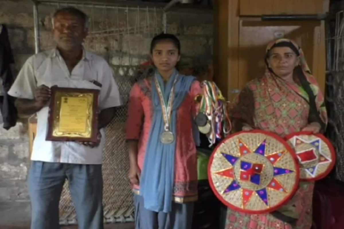 મળતી માહિતી પ્રમાણે ગીર સોમનાથનાં પેઢાવાડા ગામમાં જ્યાં ભુપતભાઈ નામનાં વ્યક્તિ રીક્ષા ચલાવી પોતાનું ગુજરાન ચલાવે છે. બે દીકરી, એક દીકરો અને પતિ-પત્ની આમ કુલ પાંચ લોકોનો આ પરિવાર માત્ર ભુપતભાઈ રોજગારી પર નિર્ભર છે.
