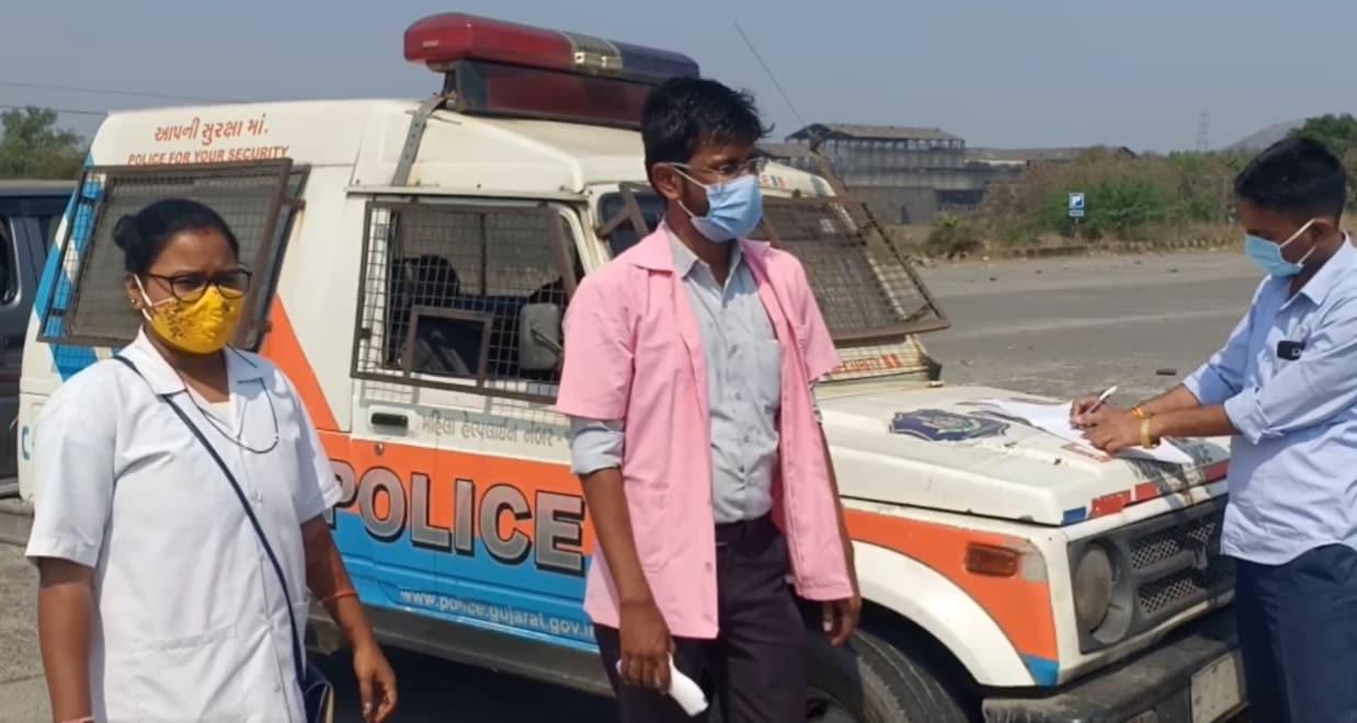 આથી ભીલાડ ચેકપોસ્ટ પર ફરી એક વખત lockdownની જેમ જ વાહન ચેકિંગ અને આરોગ્ય વિભાગ દ્વારા મહારાષ્ટ્રથી ગુજરાતમાં પ્રવેશતા લોકોનું તબીબી તપાસ કરવામાં આવી રહી છે.તેમના ટ્રાવેલ હિસ્ટ્રી ચેક કરવામાં આવી રહી છે.