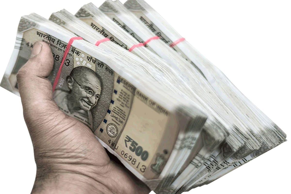 <br /> રીઝર્વ બેંક ઓફ ઈન્ડિયા(Reserve Bank of India)એ જાહેર કરેલ સાપ્તાહિક આંકડા અનુસાર FCAમાં થયેલ વધારાને કારણે કુલ વિદેશી ભંડારમાં વધારો થયો છે.<br /> આ રીપોર્ટિંગ અઠવાડિયામાં ફોરેન કરન્સી એસેટ(FCAs) 15.7 કરોડ ડોલરના નજીવા વધારા સાથે 541.18 અબજ ડોલર થયું છે.