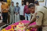 સરકારી કચેરીમાં જ છોટાઉદેપુરના DYSPના બર્થ ડેની ઉજવણી કરાઇ, નિયમોના ધજાગરા ઉડ્યા