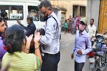 રાજકોટ : ફ્લેટમાં અચાનક લાગી આગ, માતા જીવ બચાવવા બે બાળકોને લઈ બાથરૂમમાં પુરાઈ ગઈ હતી