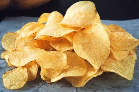 બટાકાની ચિપ્સ અને ચોકલેટ ખાવાથી વધી શકે છે કિડનીની બીમારીઓનું જોખમ:સ્ટડી