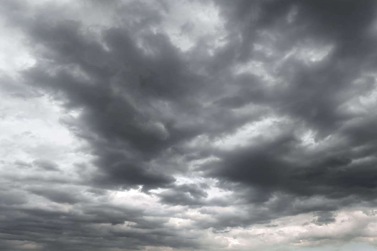 26મી જુલાઈના રોજ અતિભારે વરસાદની આગાહી કરવામાં આવી છે. 26મી જુલાઈએ રાજ્યના અરવલ્લી, આણંદ, વડોદરા, પંચમહાલ, દાહોદ, તાપી, મહિસાગર, દમણ, મેહસાણા, સાબરકાંઠા, ગાંધીનગર, ખેડા, અમદાવાદ, ભરૂચ, સુરત, સુરેન્દ્રનગર, બોટાદમાં ભારે વરસાદની આગાહી છે.