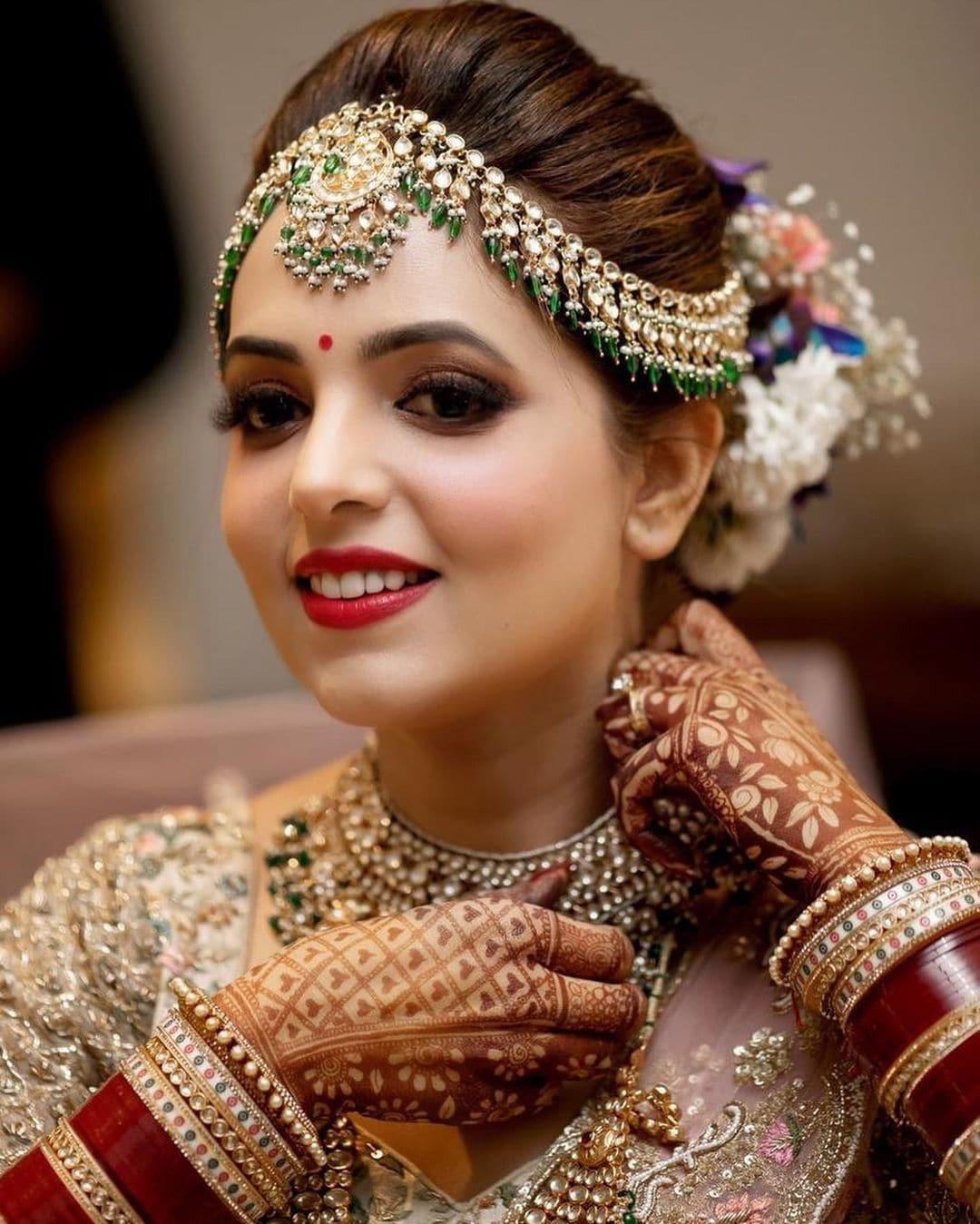 સુગંધા ટીવી પર એક સુંદર કરિઅર છે. તેણે વર્ષ 2008માં ધ ગ્રેટ ઇન્ડિયન લાફ્ટર ચેલેન્જ કર્યો હતું જેમાં તેને ઓળખ મળી. બાદમાં તે વિદ્યાવતી (ટીચર)નાં રોલમાં ધ કપિલ શર્મા શોમાં નજર આવી અને તેનાંથી તે પ્રખ્યાત થઇ ગઇ. (PHOTO: Instagram/sugandhamishra23)