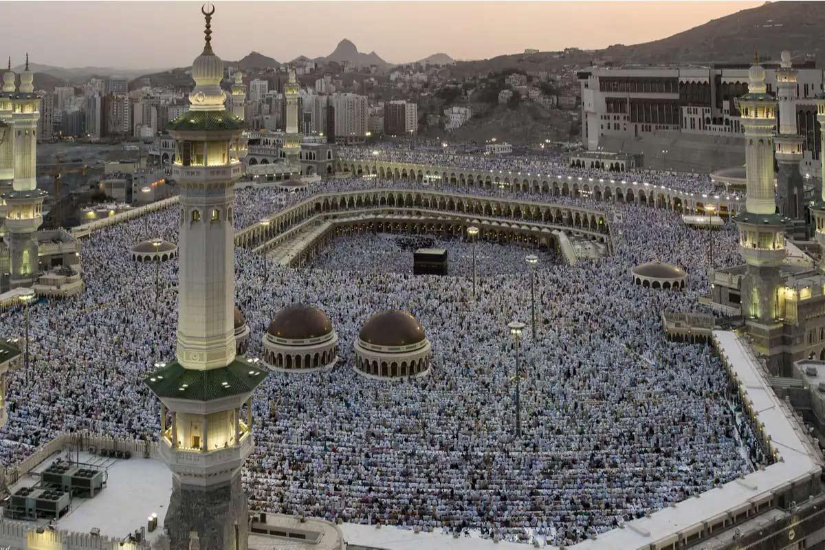 Eid ul Fitr 2021: શું છે ઈતિહાસ અને કેવી રીતે આ તહેવારની ઉજવણી કરવામાં આવે છે?