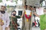 સુરત: AAPનો અનોખો વિરોધ, બિસ્માર માર્ગને મેયર 'હેમાલી બોઘાવાલા' નામ આપ્યું!