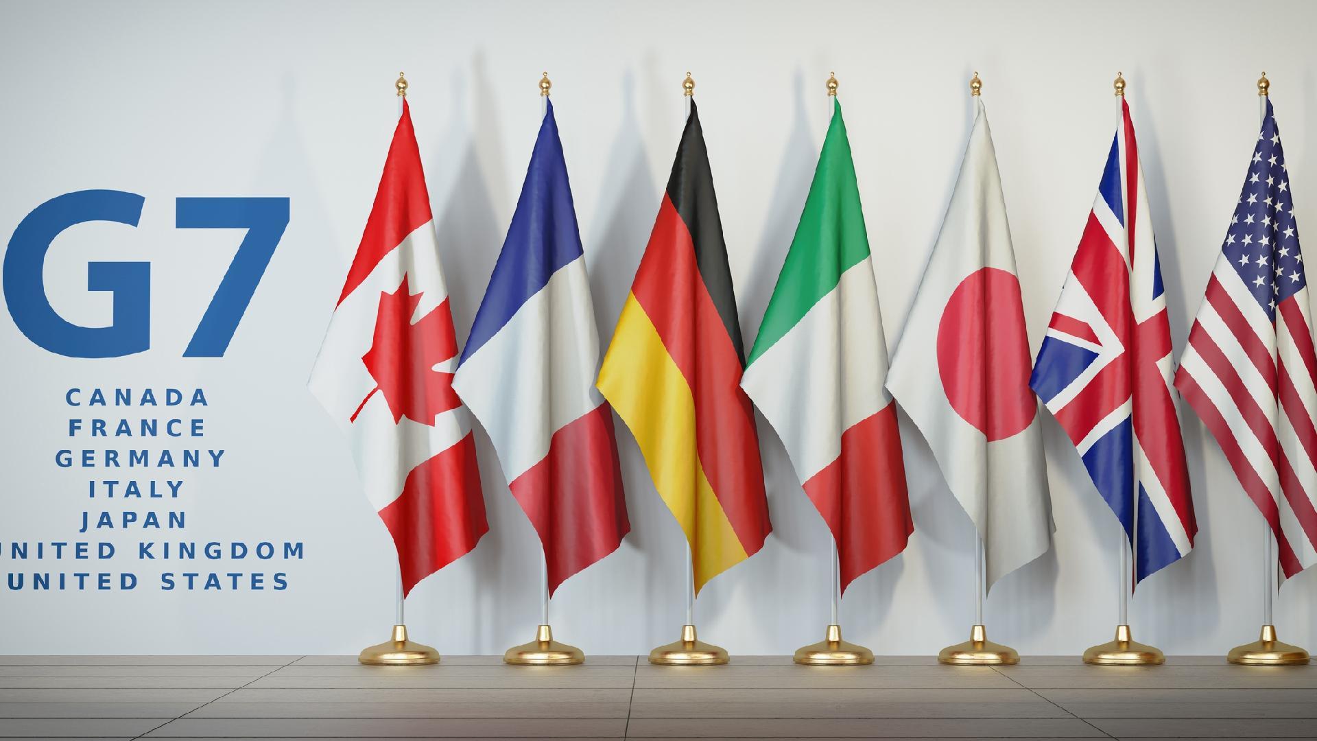 નોંધનીય છે કે, G 7 નેતાઓ દક્ષિણ પશ્ચિમ ઇંગ્લેંડમાં બેઠક કરી રહ્યા છે અને બેઇજિંગ સાથે વ્યૂહાત્મક સ્પર્ધા અંગે ચર્ચા કરી રહ્યા છે. અમેરિકાના રાષ્ટ્રપતિ જોન બીડેન અને અન્ય G 7નાં નેતાઓ બિલ્ડ બેક બેટર વર્લ્ડ (B3W) પહેલ દ્વારા ચીનના BRI પ્રોજેક્ટનો વિકલ્પ ઉભો કરવા માગે છે. વ્હાઇટ હાઉસ દ્વારા કહેવામાં આવ્યું છે કે, આ પારદર્શક માળખાગત પ્રોજેક્ટ પર લગભગ 40 ટ્રિલિયન ડોલરનો ખર્ચ થશે.