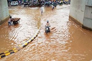 ગુજરાતમાં ચારેકોર અનરાધાર વરસાદ: હજી આ વિસ્તારોમાં છે ભારેથી અતિભારે વરસાદની આગાહી