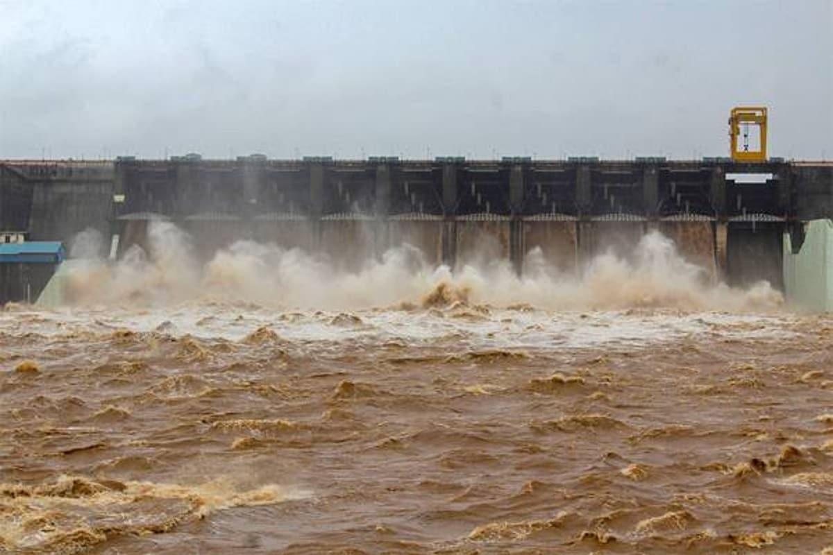 Video: વલસાડનાં મધુબન ડેમના 9 દરવાજા ખોલાયા, નીચાણવાળા વિસ્તારોને કરાયા એલર્ટ