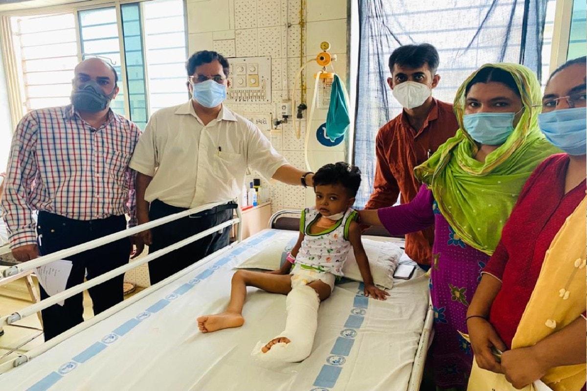 જૂનાગઢ : 4 વર્ષની કેન્સર પીડિત બાળકીને સાજી કરવા  9 કલાકની જટિલ સર્જરી કરવામાં આવી, દેશનો પ્રથમ કિસ્સો