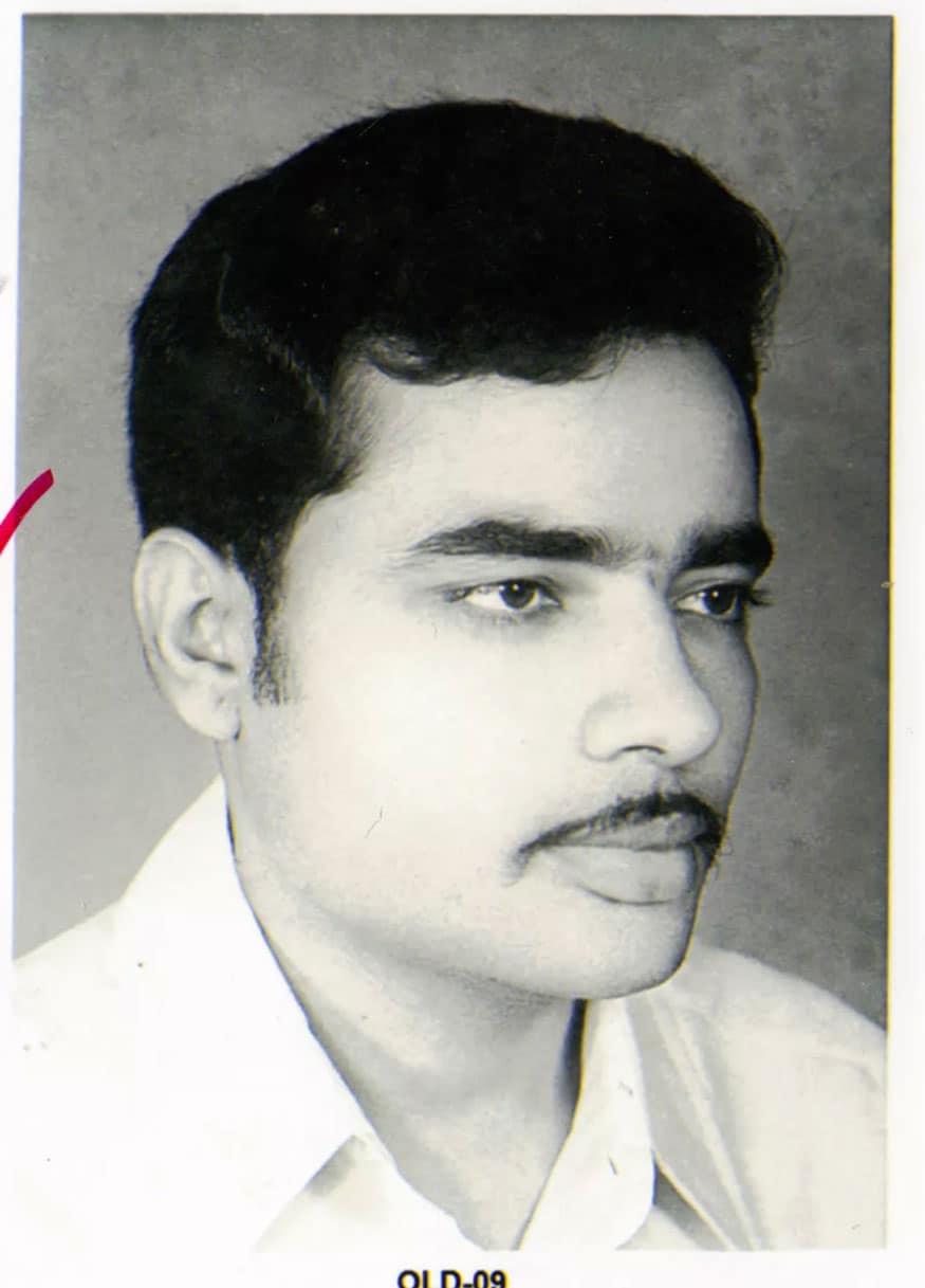 નરેન્દ્ર મોદીનો જન્મ 17 સપ્ટેમ્બર, 1950ના રોજના રોજ થયો હતો. વડનગર રેલવ સ્ટેશન પર તેમણે ચા પણ વેચી છે. (તસવીર: News18 Telugu)