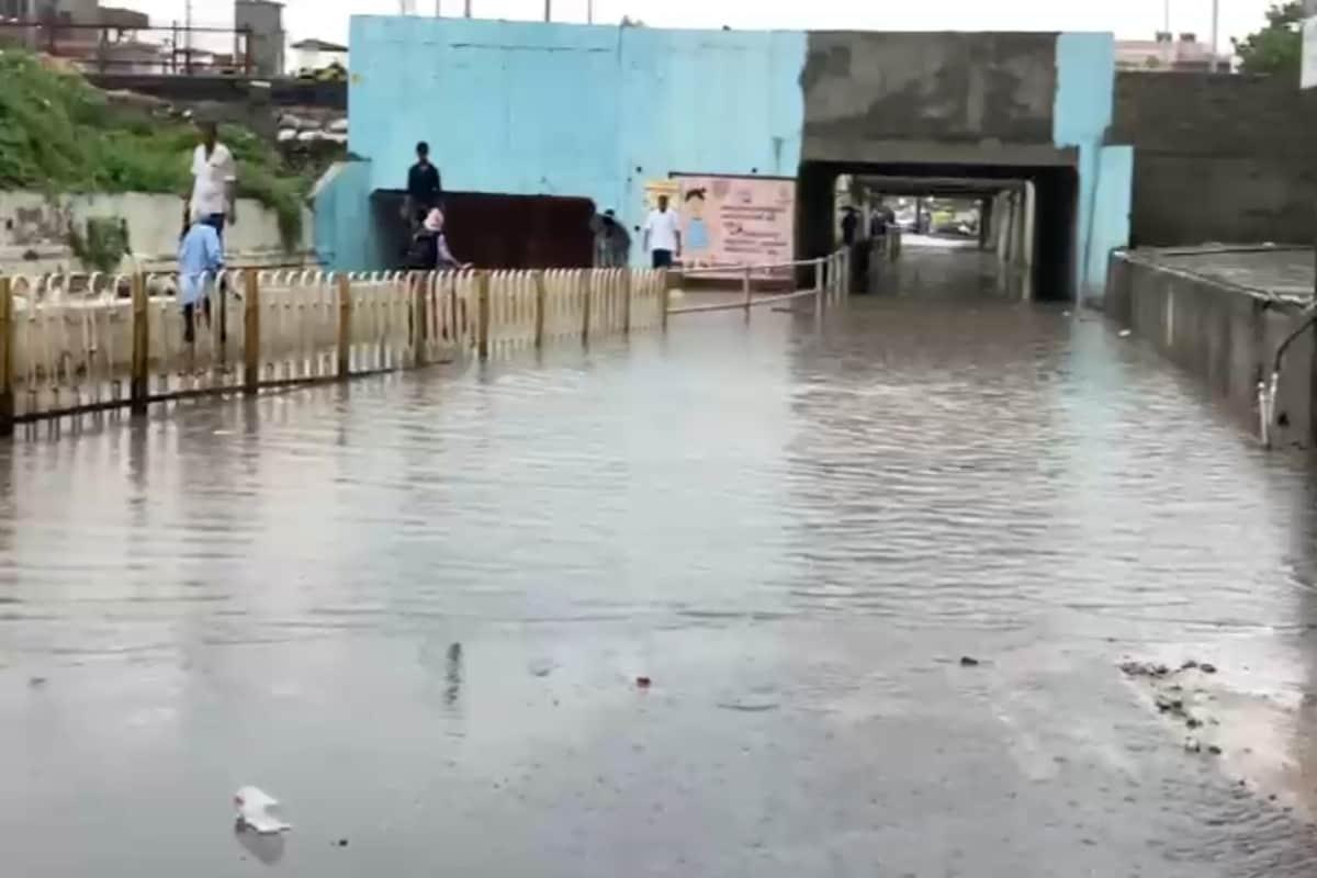 મહેસાણા: ગાજવીજ સાથે ધોધમાર વરસાદ થતા ગોપીનાળા સહિત અનેક વિસ્તારોમાં પાણી ભરાયા