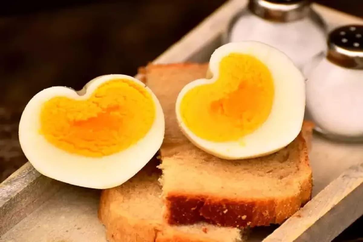 Boiled eggsના શોખીનો થઈ જાવ સાવધાન, બાફેલા ઈંડા ખાવાથી થઈ શકે આ ખતરનાક સાઈડ ઇફેક્ટ