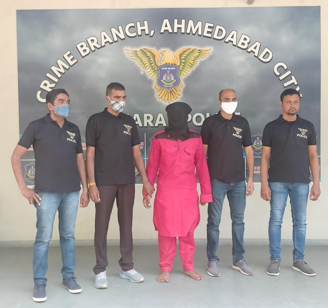 Mazhar Qureshi Killed ShahRukh in Danilimda Ahmedabad throws head and body in Lake