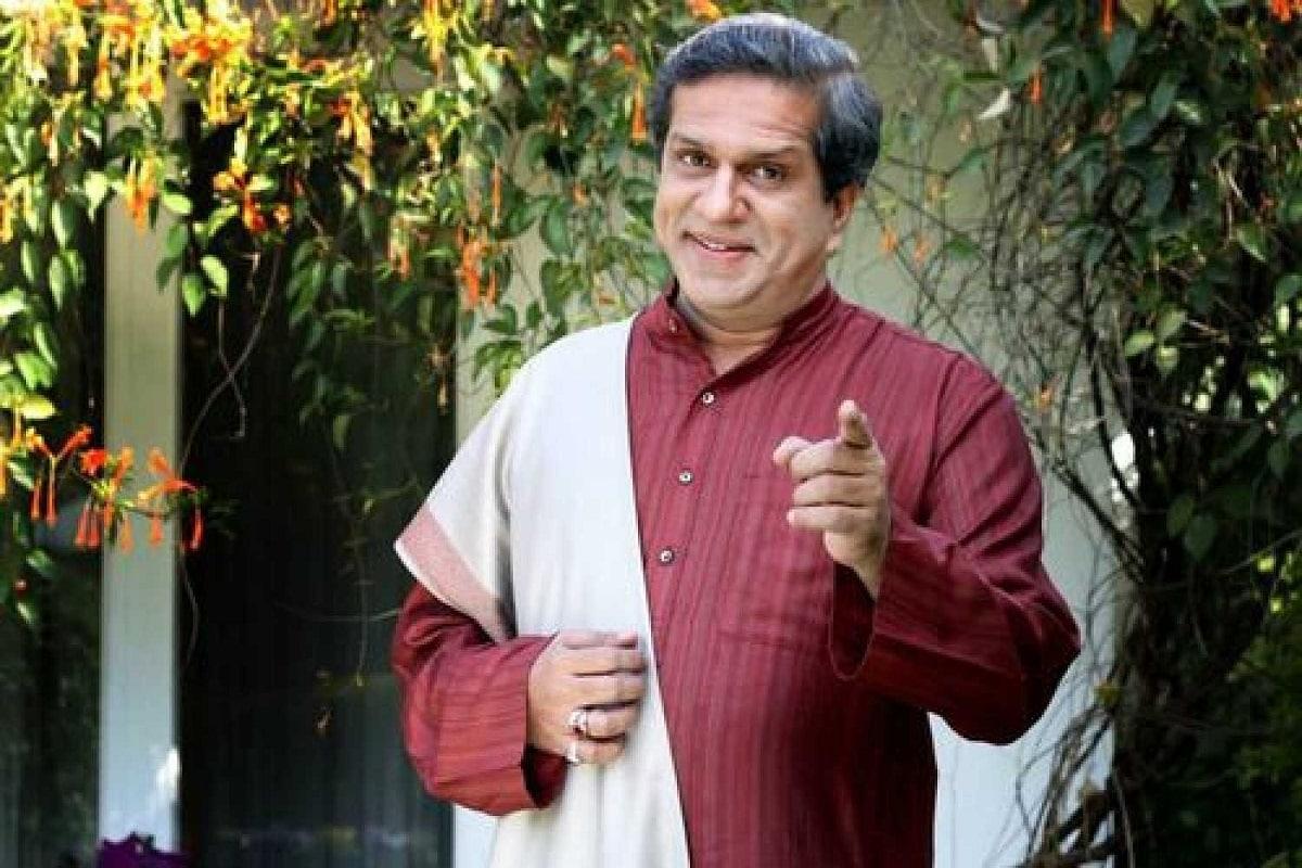 ટીવી શોની વાત (Darshan Jariwala TV Show) કરીએ તો તેઓ, 'સાસ બિના સસુરાલ', 'અદાલત', 'બા બહુ ઔર બેબી' જેવા અનેક શોઝમાં કામ કરી ચૂક્યા છે. આ સિવાય તેઓ 'ગાંધી માય ફાધર'માં ગાંધીજીનો રોલ કરી ખૂબ ફેમસ થયા હતા. દર્શને અત્યાર સુધીમાં 'કહાની', 'અજબ પ્રેમ કી ગજબ કહાની', 'રાઉડી રાઠૌર', 'એન્ટરટેનમેન્ટ', 'હમશકલ્સ' અને 'ક્યા કૂલ હૈ હમ 3' જેવી અનેક ફિલ્મ્સ પણ કરી છે.