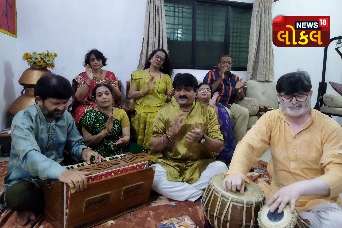 ગુજરાતના આ સ્થળે થાય છે બેઠાં ગરબા, જાણો અનોખી પ્રાચીન સંસ્કૃતિ સાથે જોડાયેલી રોચક વાતો