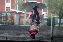 کشمیر کے بالائی علاقوں میں برف باری، میدانی علاقوں میں بارش