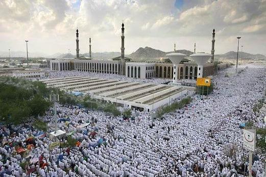حج کا رکن اعظم وقوف عرفہ آج، لبیک اللھم لبیک کے ورد کے ساتھ عرفات پہنچ رہے ہیں لاکھوں عازمین