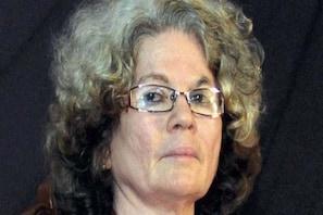 ملک میں بڑھتی فرقہ پرستی کے خلاف احتجاج کرتے ہوئے سارہ جوزف نے بھی ساہتیہ اکیڈمی ایوارڈ لوٹایا