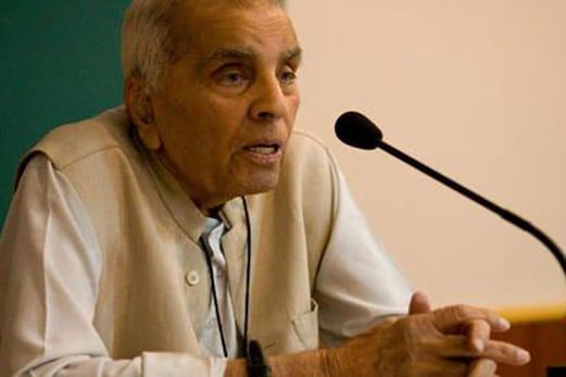 ہندوراشٹر کے قیام کی آر ایس ایس کی کوششوں کے خلاف سیکولر طبقات کا متحد ہونا ضروری : جسٹس راجندر سچر
