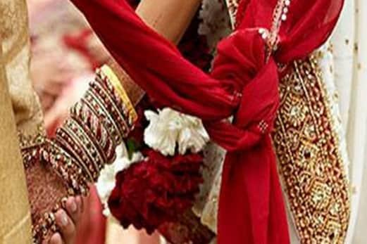 اترپردیش میں اب سبھی مذاہب اور برادریوں کے غریب خاندانوں کو اجتماعی شادی دی جائے گی گرانٹ
