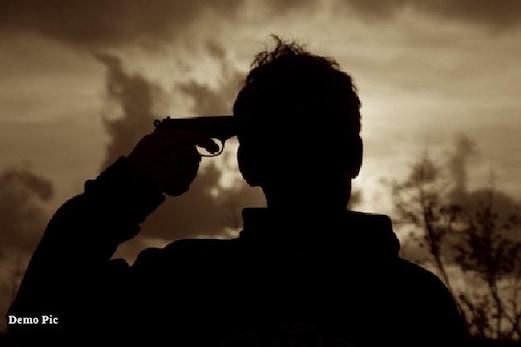 کپواڑہ میں تعینات فوجی نے اپنی سروس رائفل، خود پر گولی چلا کر کی خودکشی