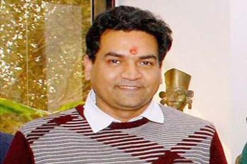 نئی دہلی : دہلی حکومت کے وزیر آبی وسائل کپل مشرا نے مرکزی وزیر داخلہ راج ناتھ سنگھ کو آج خط لکھ کر بتایا کہ ایک شخص نے انہیں فون پر جان سے مارنے کی دھمکی دی ہے۔